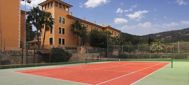 Mon Port & La Pergola tennis courts